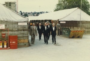 1982 HRH Prince Philip visits the stabling yard at HOYS Wembley