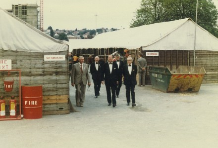 1982 HRH Prince Philip visits the stabling yard at HOYS Wembley