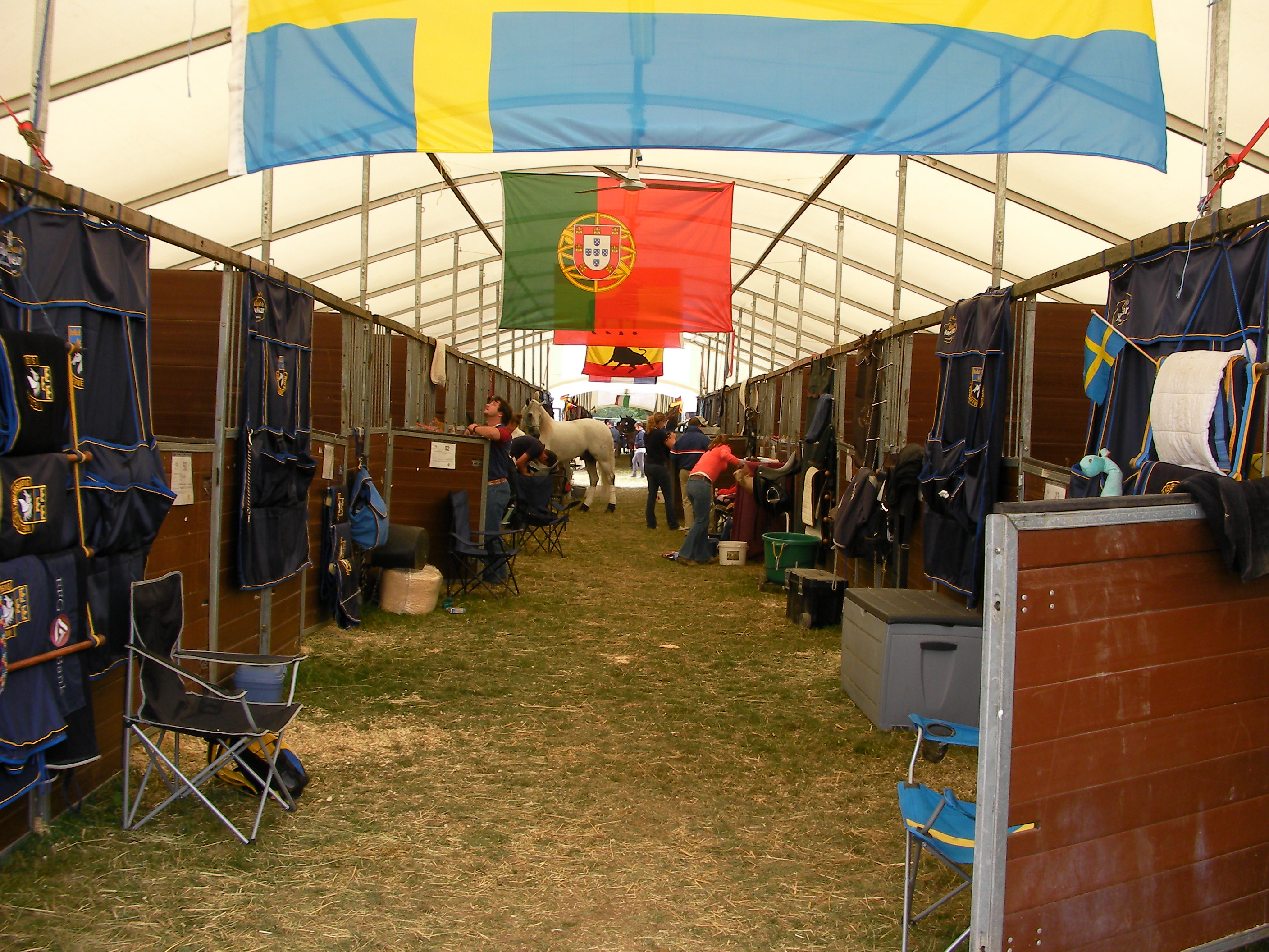 Trade Stands Hickstead : Trade stands grandstands and temporary stables